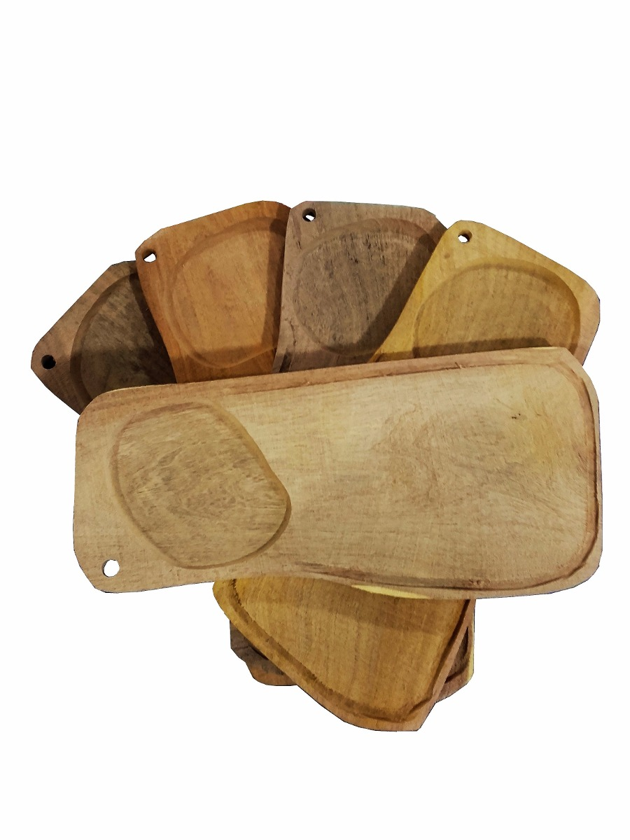 Wodden Novelty Plates £12.95 - Perfect for serving hearty steak dishes, these rustic hand carved solid wood plate/ board measures over 18cm wide 38cm long, and provides plenty of space for steak, chips and a side dish/salad. This chunky plate has a recess that surrounds the outside perimeter to prevent any sauces from running over the edge and spilling onto the table, while a cut-out provides space for a side dish or salad.Aprox Lenght : 38cmAprox Width : 18cm