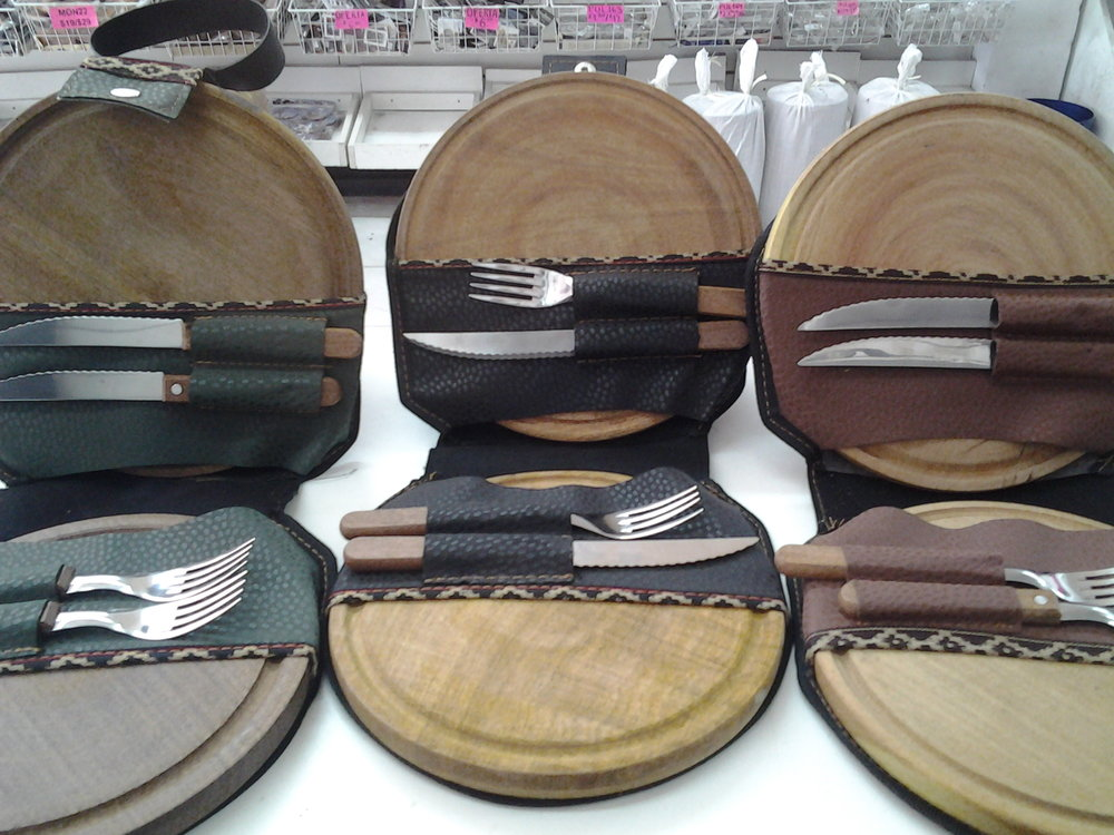 Set Asado platos y cubiertos 2.jpg