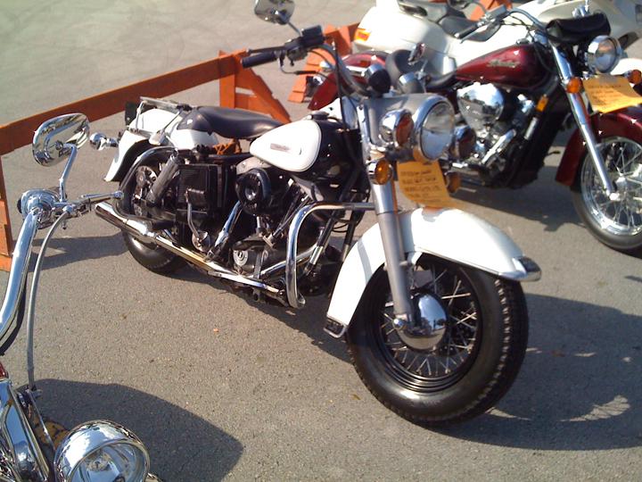 Harley-Davidson-02.jpg