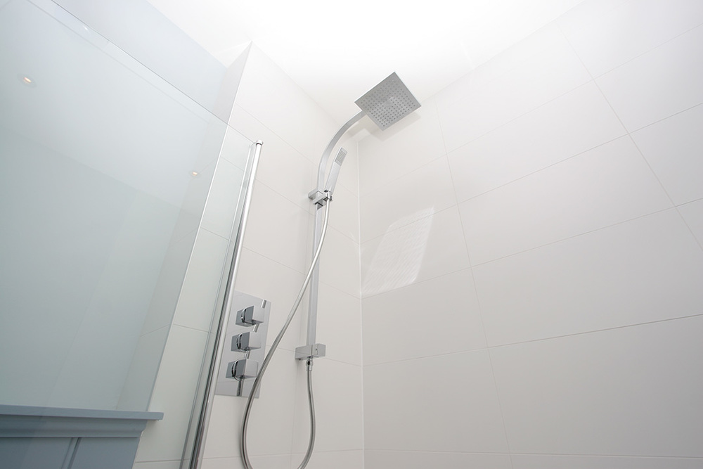 flat-shower-IMG_9212.jpg
