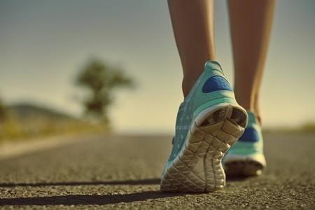 44875714_S_Feet_Shoe_Sneakers_Walking_Road.jpg
