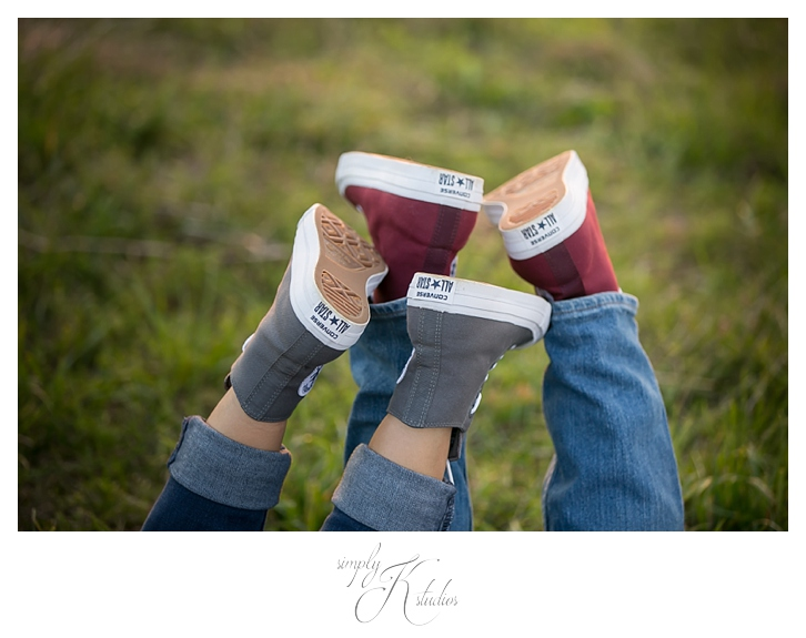 Cute Engagement Session Ideas.jpg
