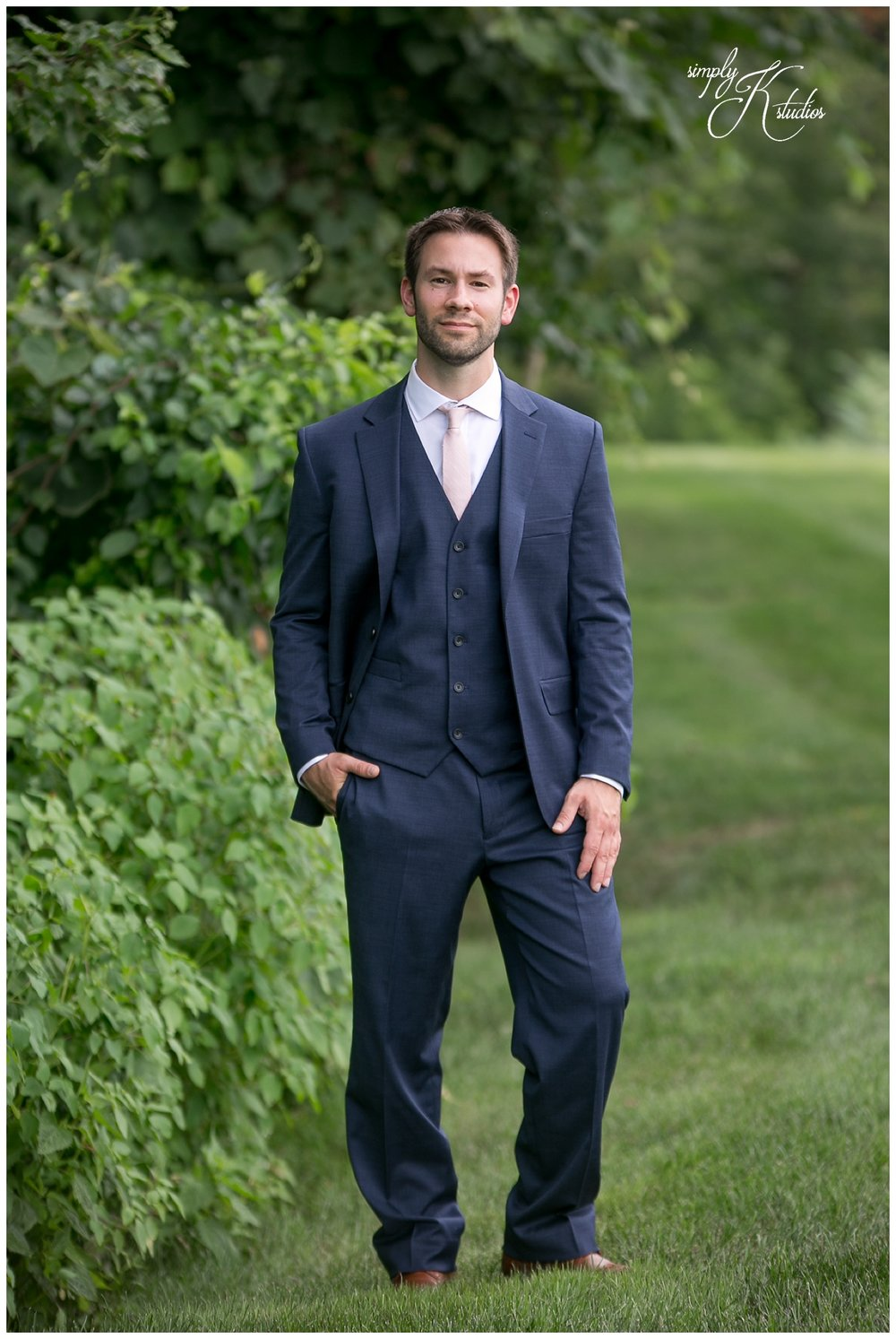 Navy Blue Grooms Suit.jpg
