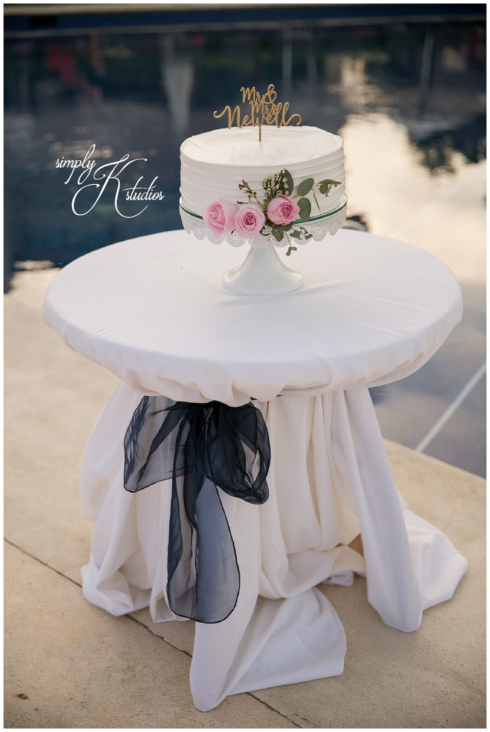 Wedding Cake at Dreams Riviera Cancun.jpg