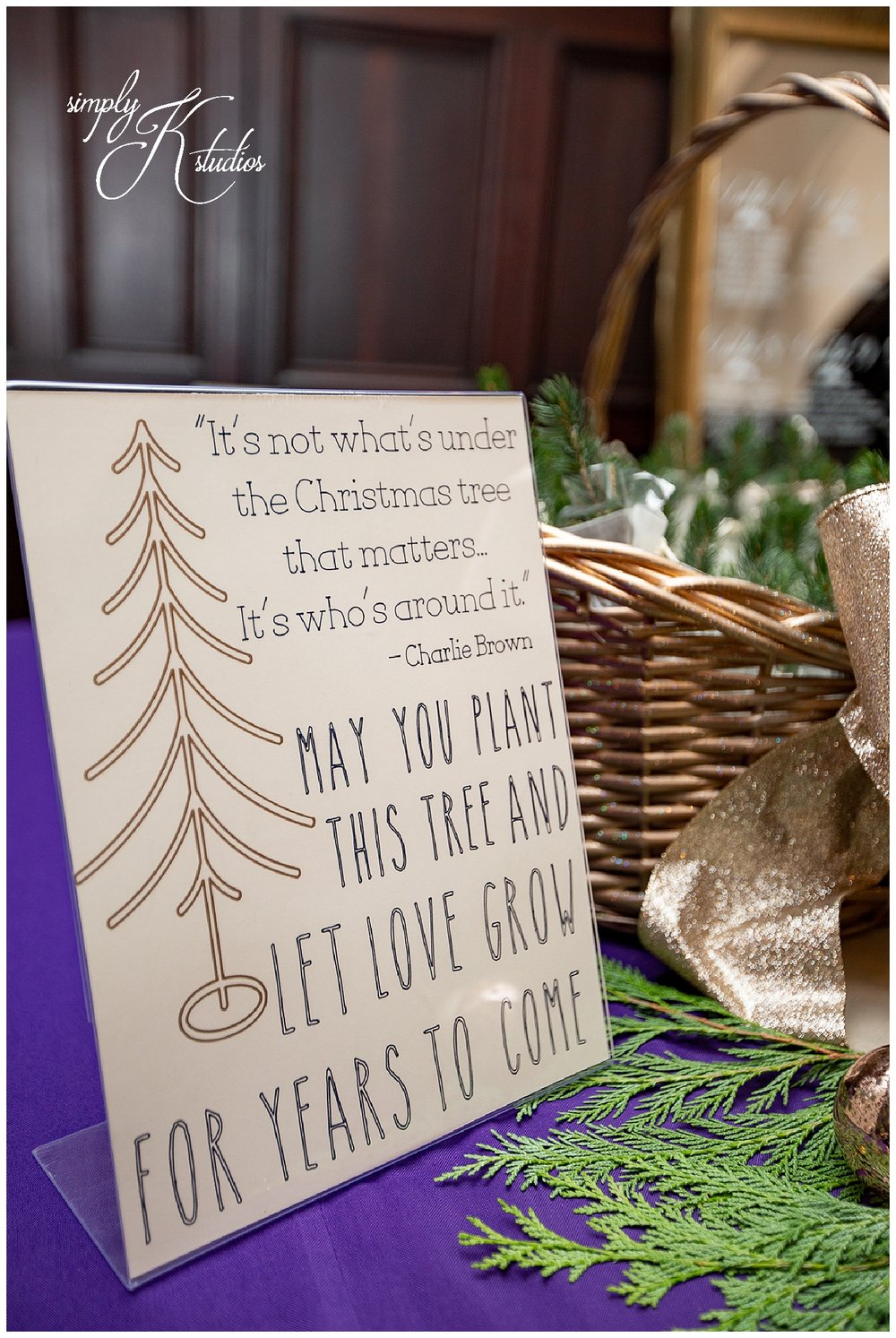 81 Christmas Wedding Ideas.jpg