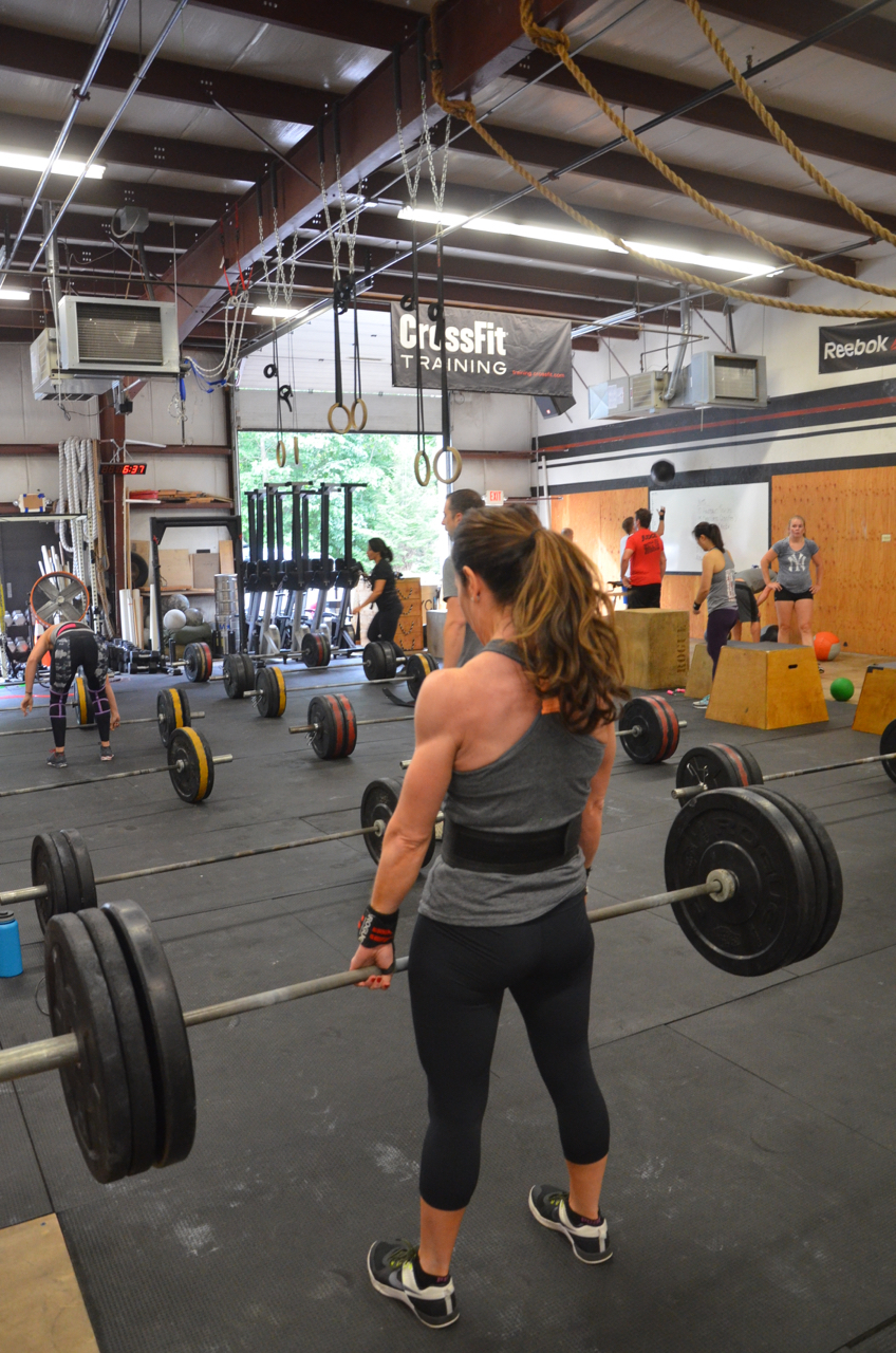 Holly working through her deadlifts.