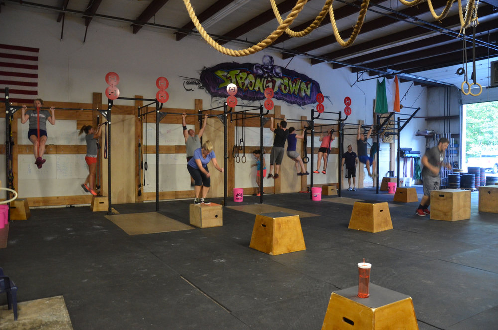Full house 5pm filling up the pull-up rig.