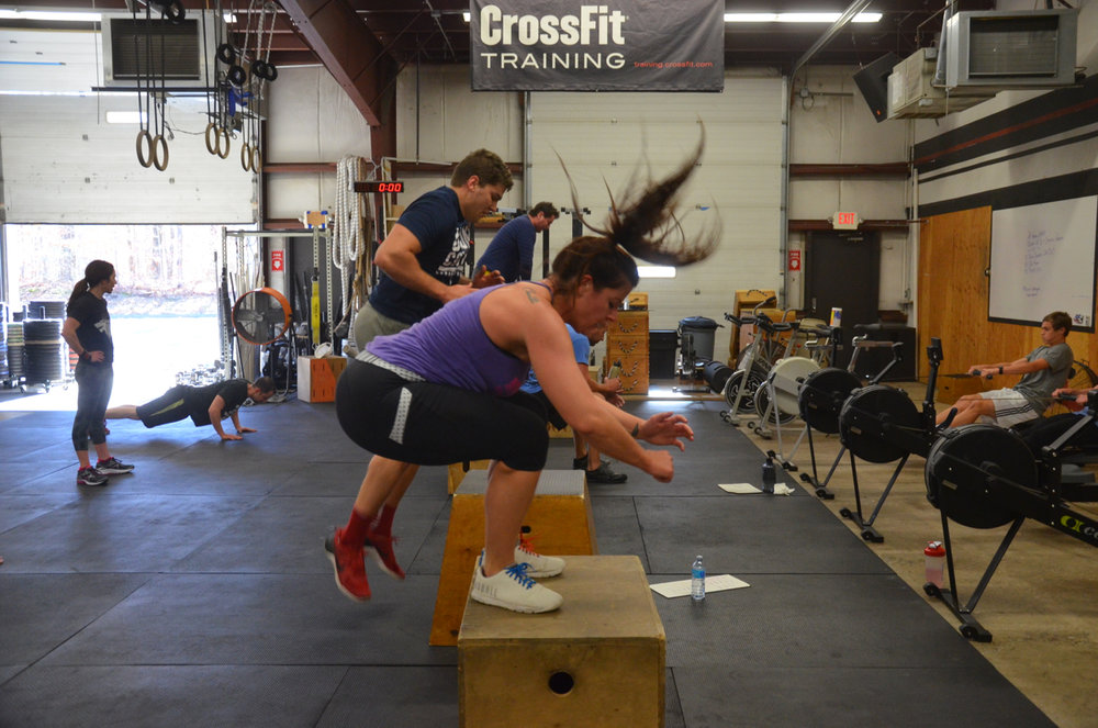 Rachie flying through her 15 box jumps.