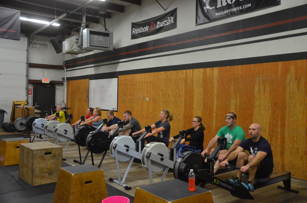 The 6pm class working through their 40 calorie row.