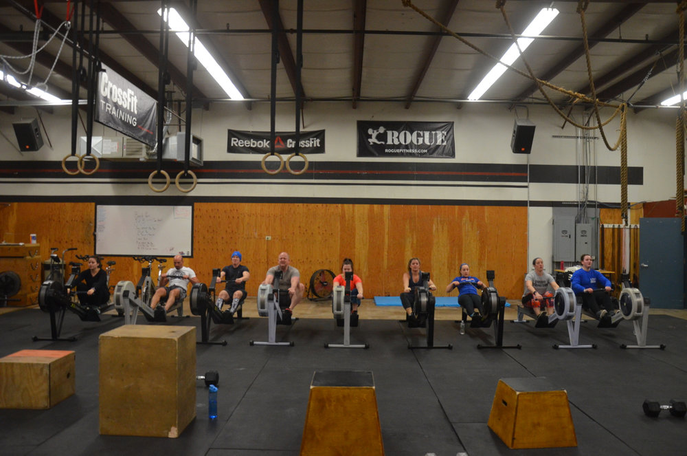 The 4pm class starting their 20 calorie row.