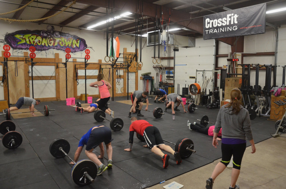 The 6pm class starting their lateral bar burpees.