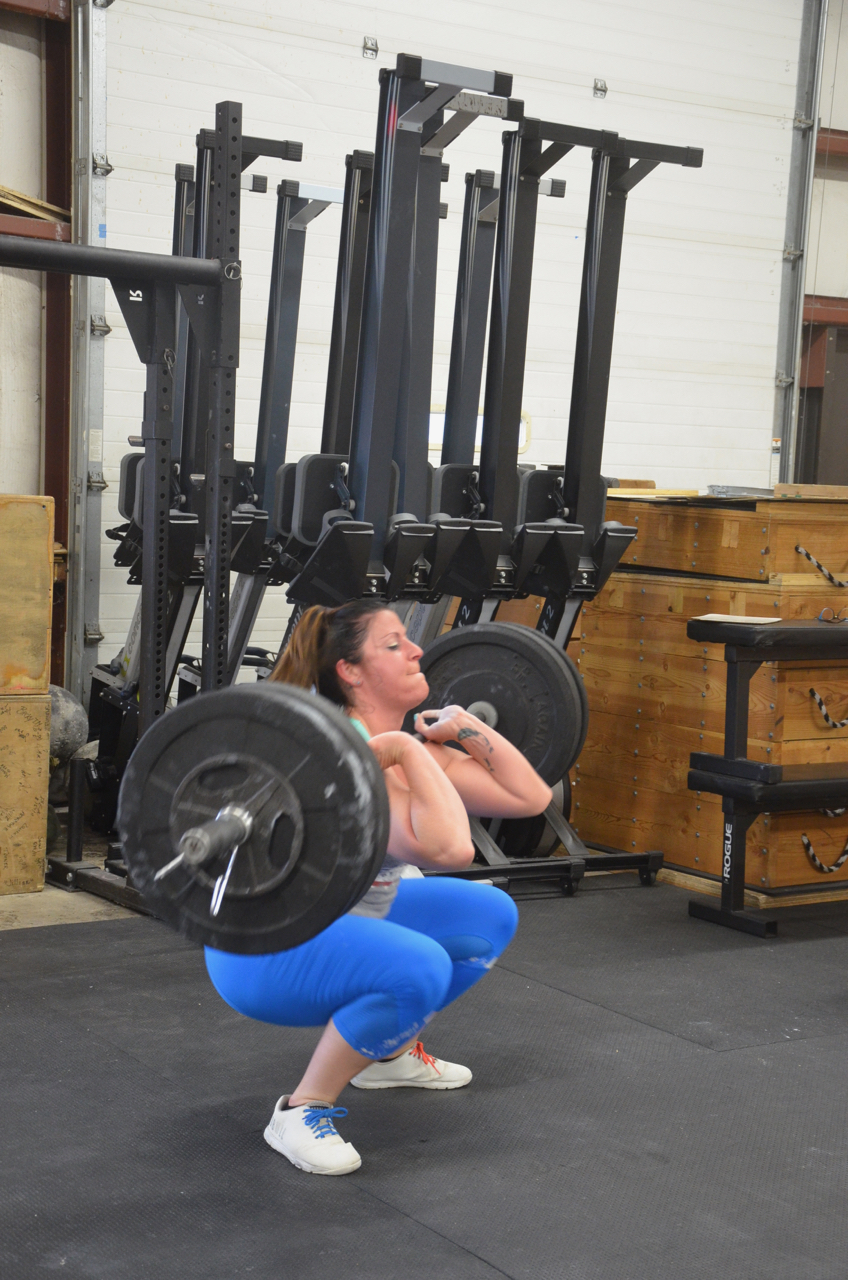 Rachie looking strong on her cleans.