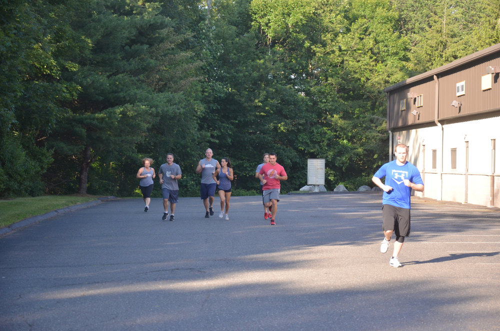 The 6pm class heading out for their mile.