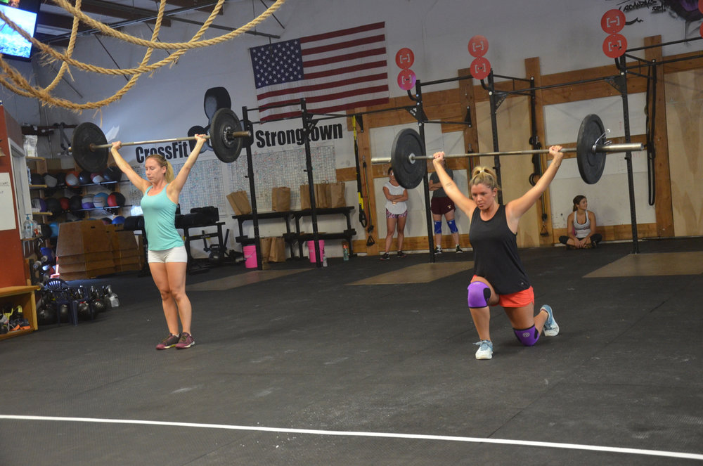Leila and the Maeve looking strong on their overhead lunges.
