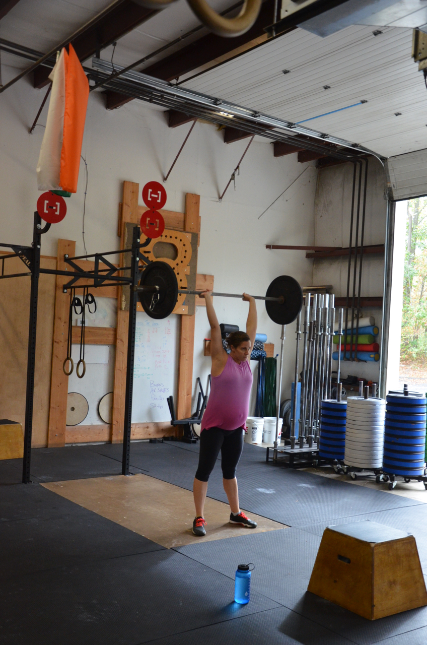 Mama Gail showing a great lock out on her thrusters.