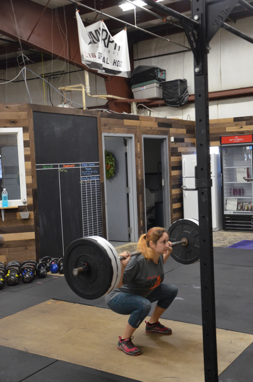 Sara working up to her one rep max.