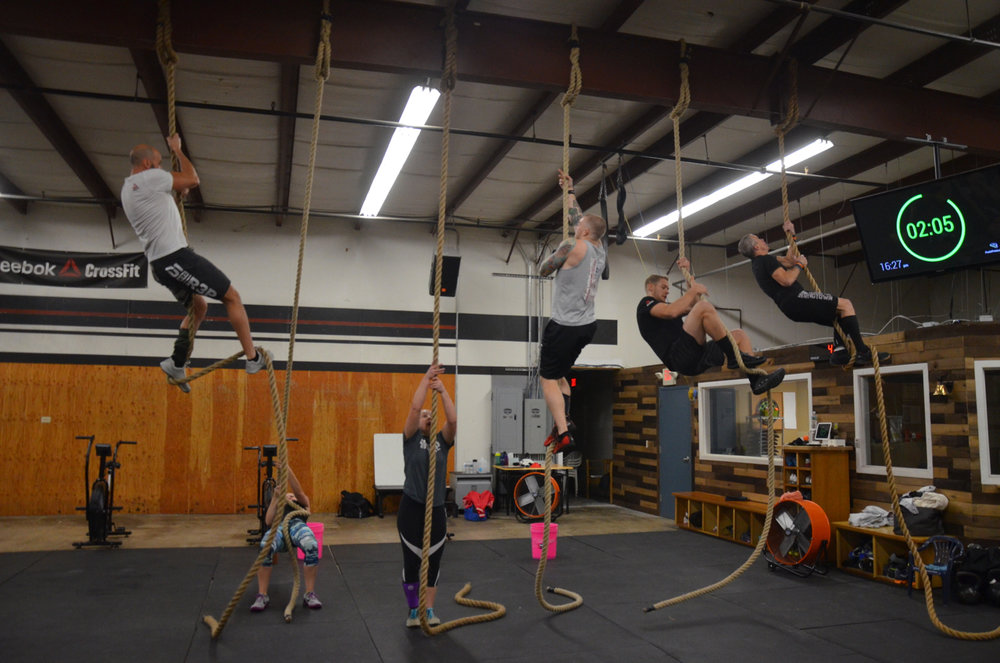 The 4pm class on their first round of rope climbs.