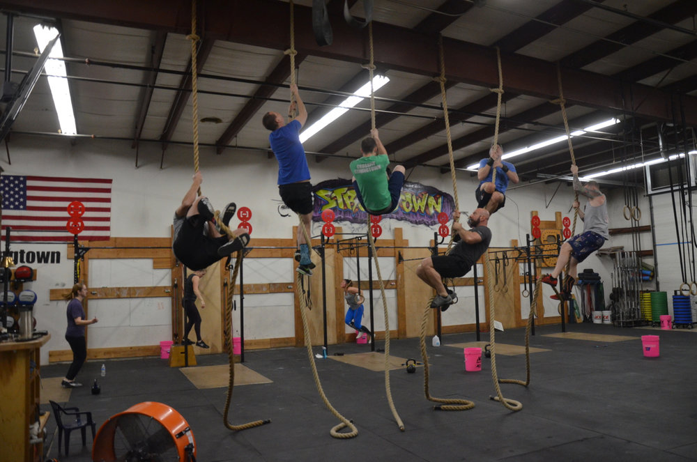Saturday's 9am class heading up the ropes.