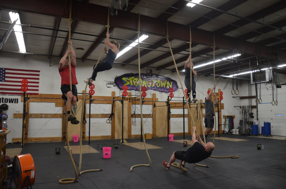 The 4pm class during their first 5 rope climbs.