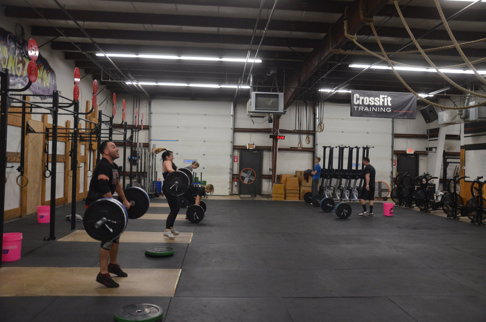The 5pm class working through their 10-15-20.
