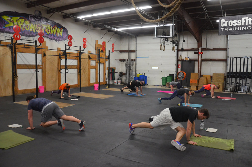 The 4pm class during their tabata grasshoppers.