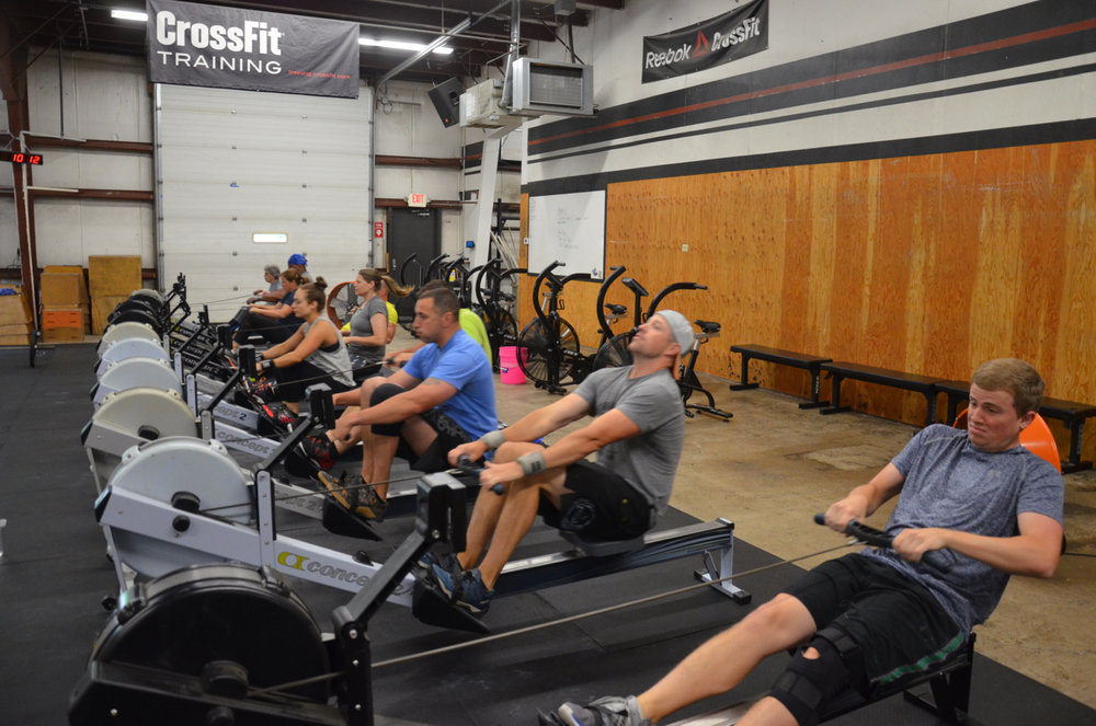 The 9:30am class at the start of their 30 calorie row.