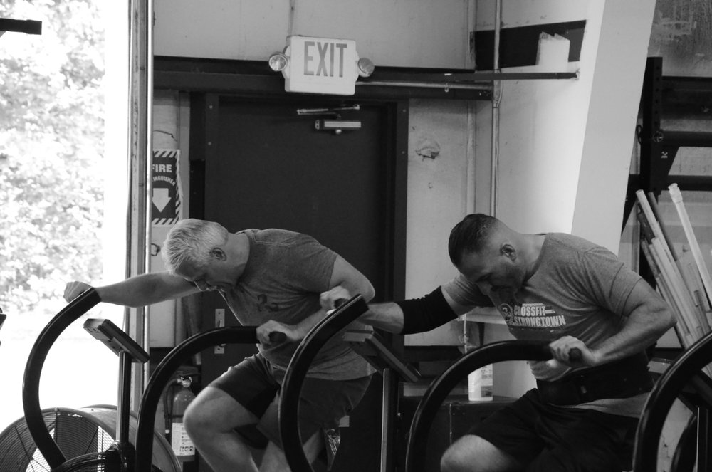 Rob G. and Carl staying focused during their 15 calories.