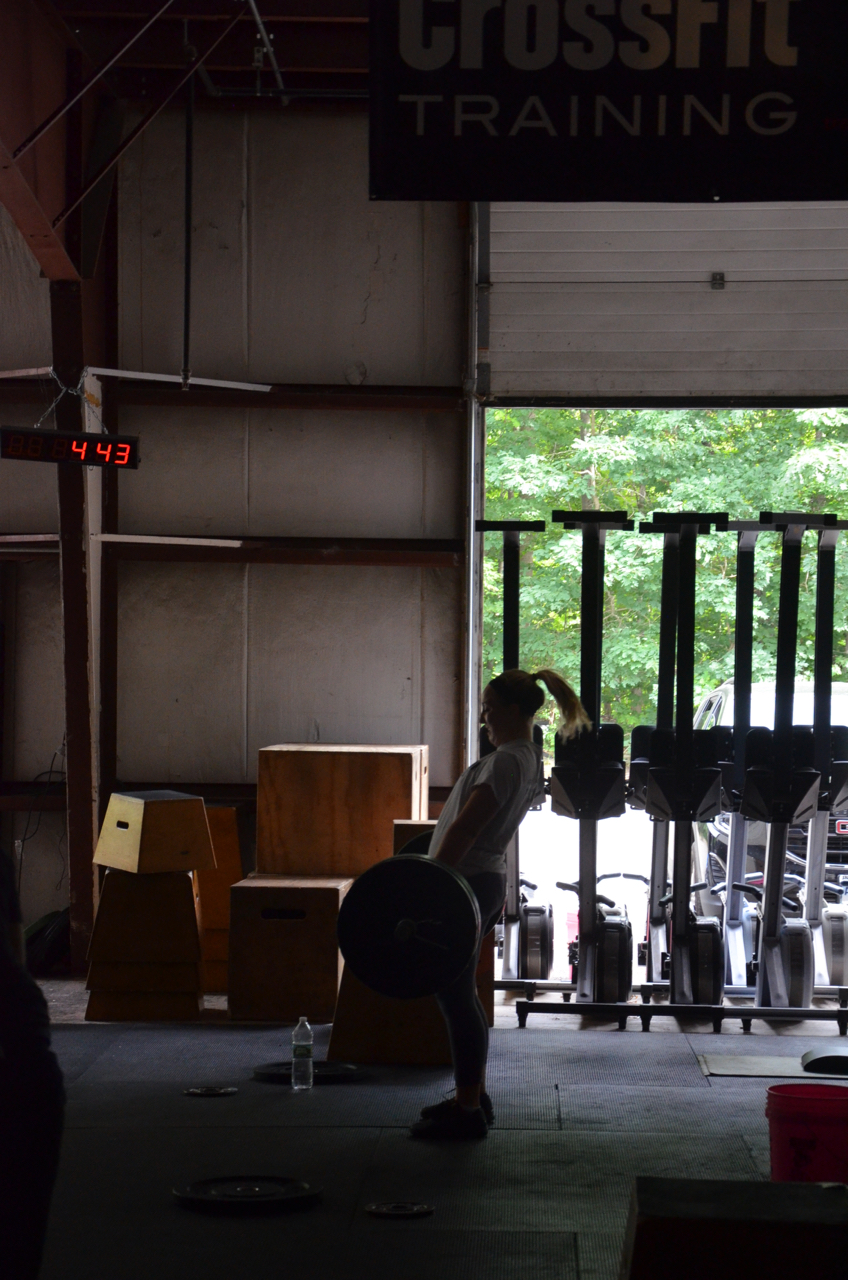 Annie working through her deadlifts.