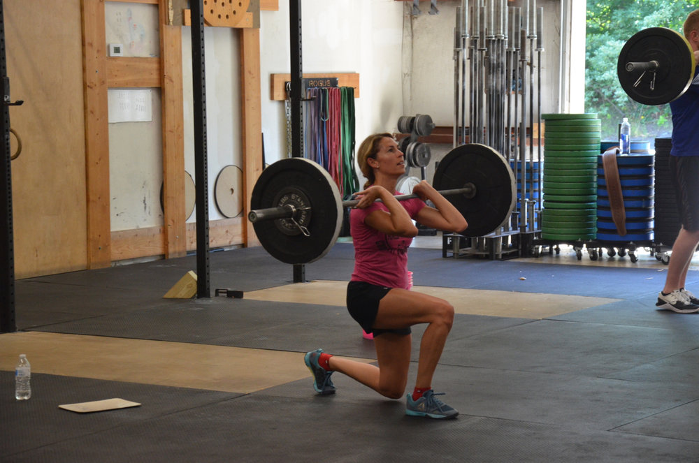 Danielle keeping great posture on lunges.