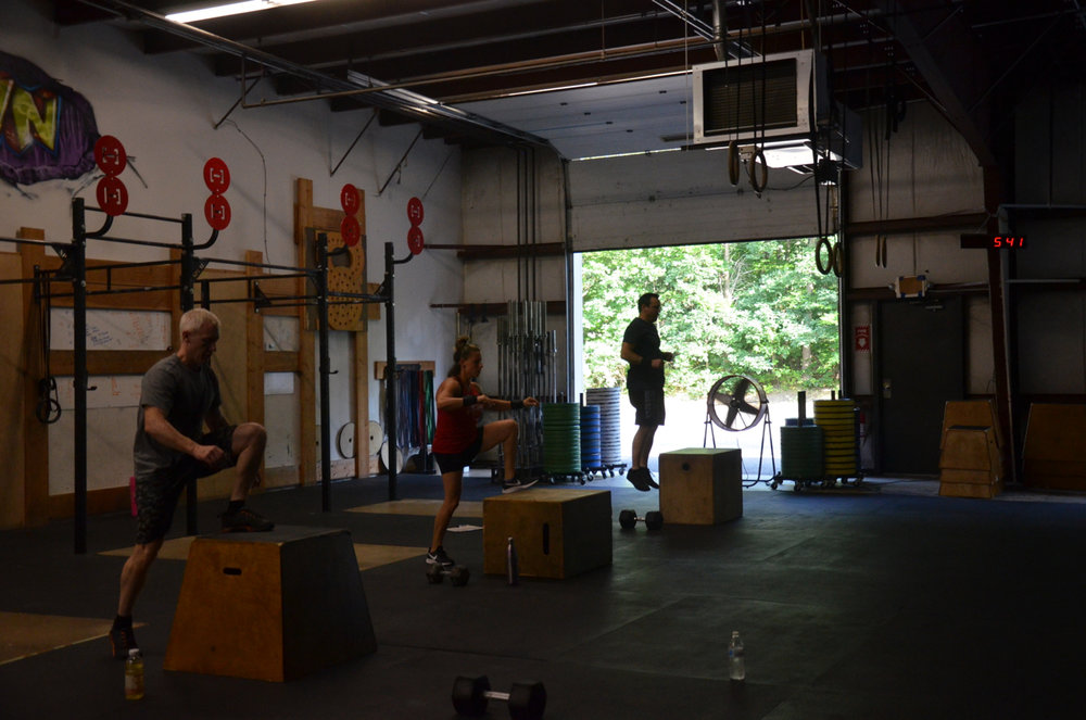 The 5pm class working through their box jumps.