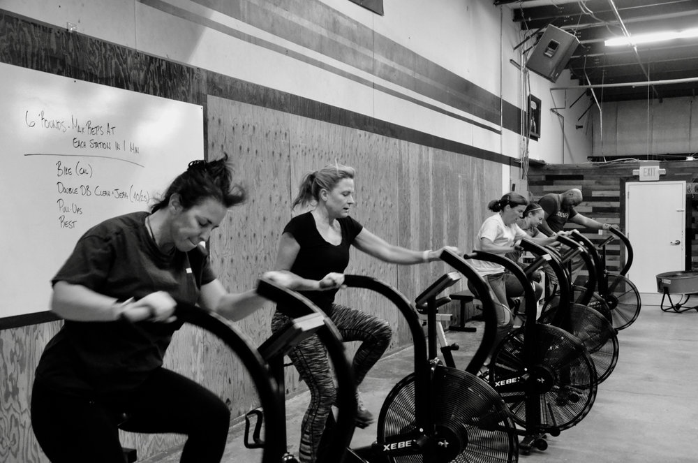 Kristin, Kristie, Susie, Justina and Big Mike during the 9:30am class.