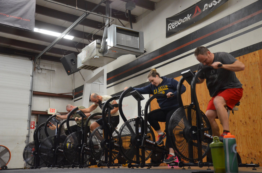 Heat 1 of the 9:30am class starting today's metcon.