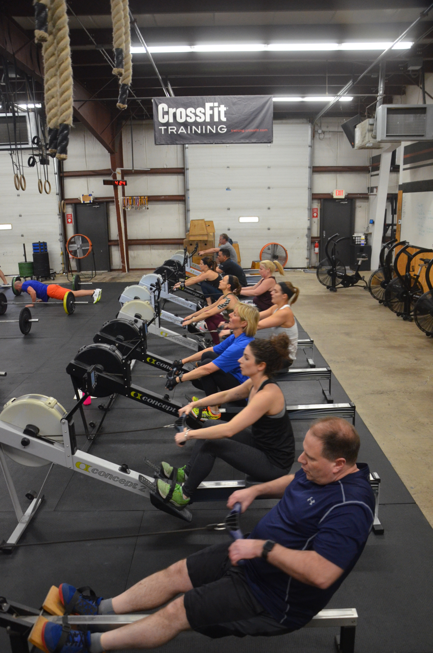 The 4pm class at the start of today's 10 minute AMRAP.