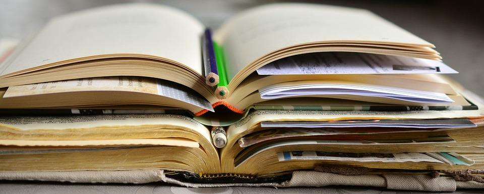 books-2158737_960_720.jpg