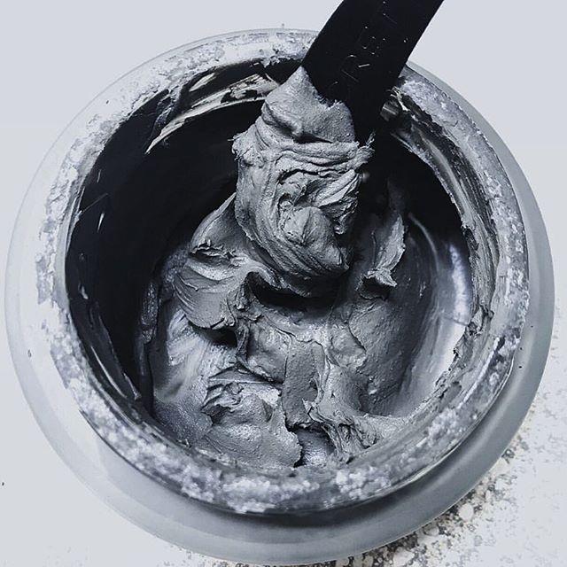 play in the mud #texturetuesday #mudmask #deadsea #mud #itsavibe