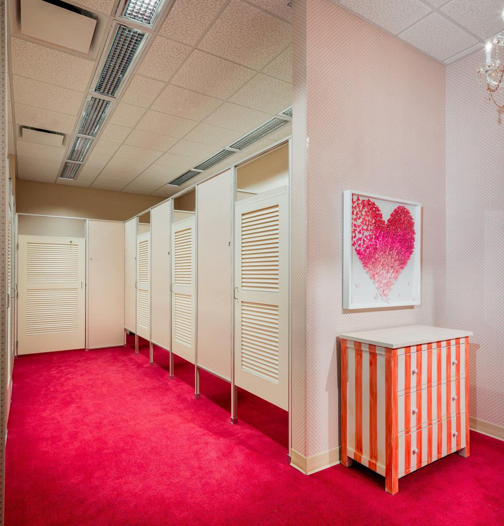 Von Maur_fitting room_3_LR.jpg