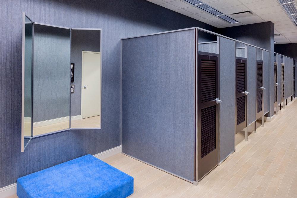 Von Maur_fitting room_4_LR.jpg