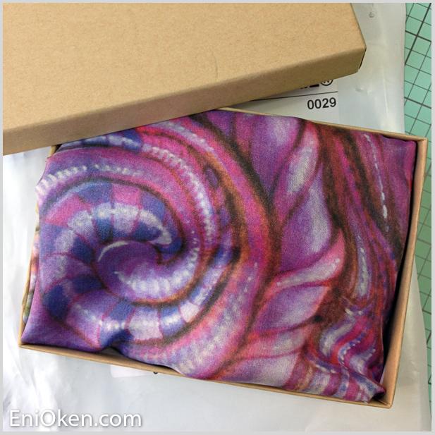 Get a Zentangle artist scarf • enioken.com