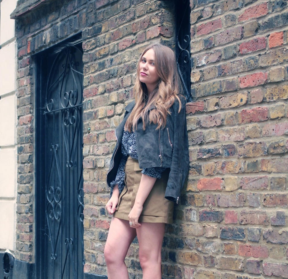 Khaki Skirt Suede Jacket Summer Outfit