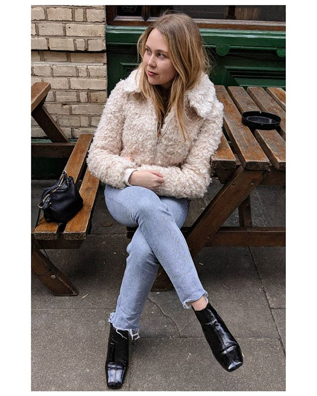 Couldn't be happier in this sheep costume 🐑🐑🐑 . . . . . . . #topshopstyle #mytopshopstyle #ootd #ootdmagazine #lookoftheday #instafashion #styleinspiration #styleinspo #lookoftheday #wiwt #instastyle #fauxfur #dailylook #britishstyle #londonstyle #streetstyle #ukblogger #ukinfluencer #dailyfashion #whatiwore