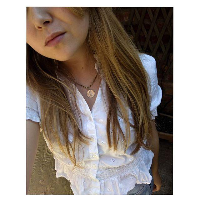 New treasures 🎗️🎗️🎗️ . . . . . .  #jewelry #pendant #vintage #gold #selfie #balayage #summer #ootd #beauty #lookoftheday #whiteshirt #ukblogger #styleblogger #chesterblogger #mcrbloggers #manchestergram #instafashion #mystyle