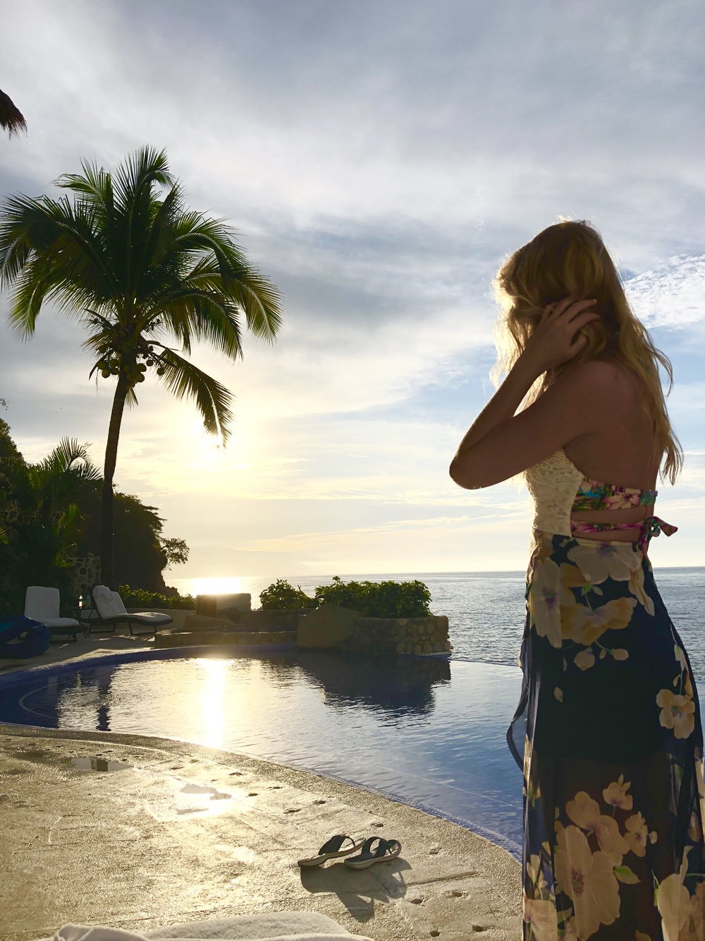 How to Pack for a Tropical Vacation - The Style Shop by Sandi Mele
