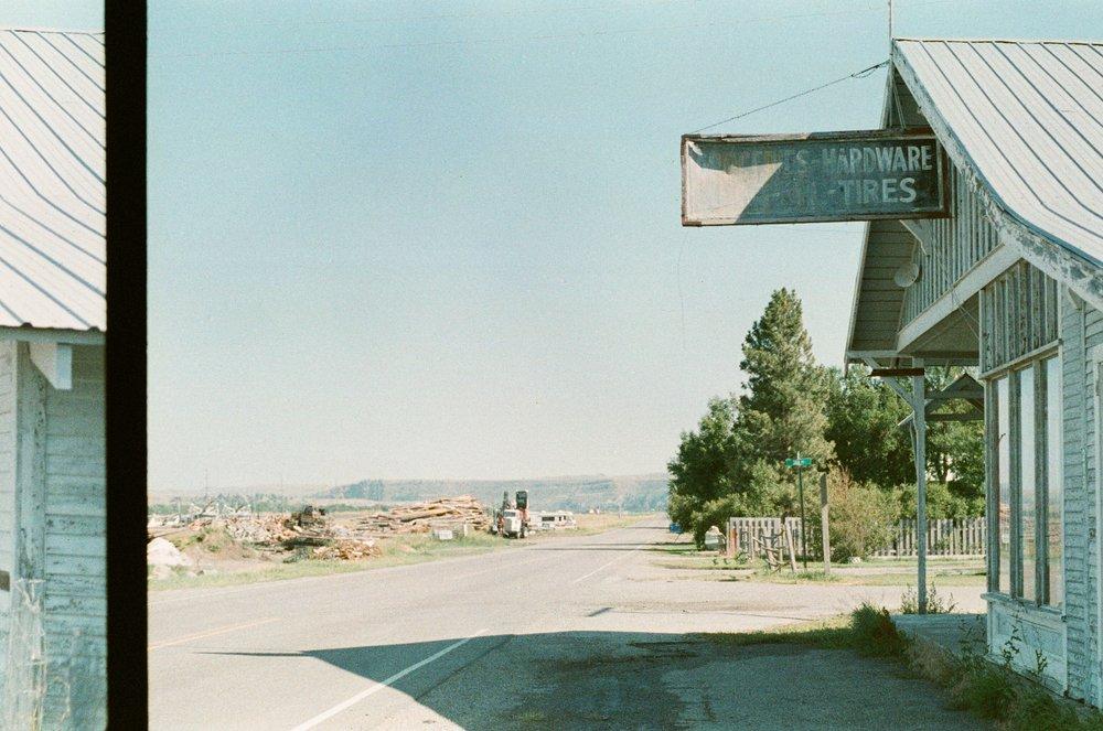 GREYCLIFF, MT