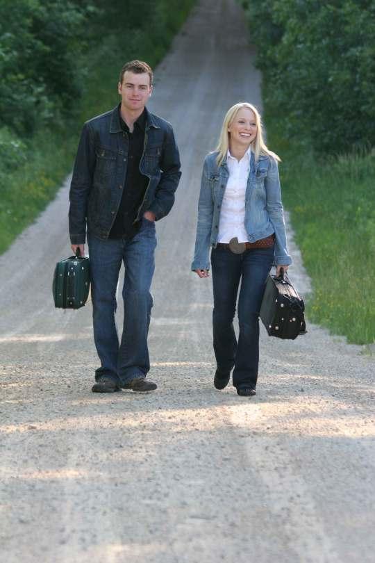 Tyler and Linsey Beckett.