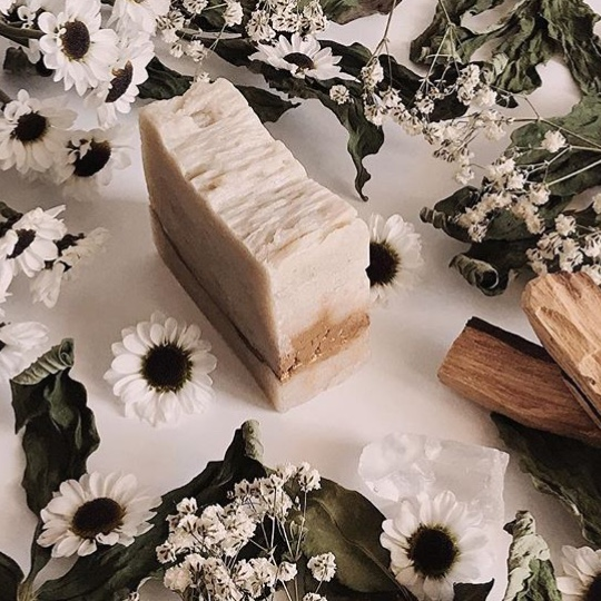 Palo Santo Bath Bar photoed by @themoonandthestorm