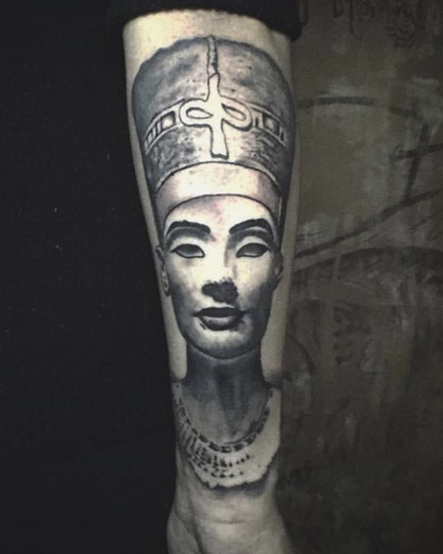 @inkstigator Killian it with the black and grey on this Egyptian piece.