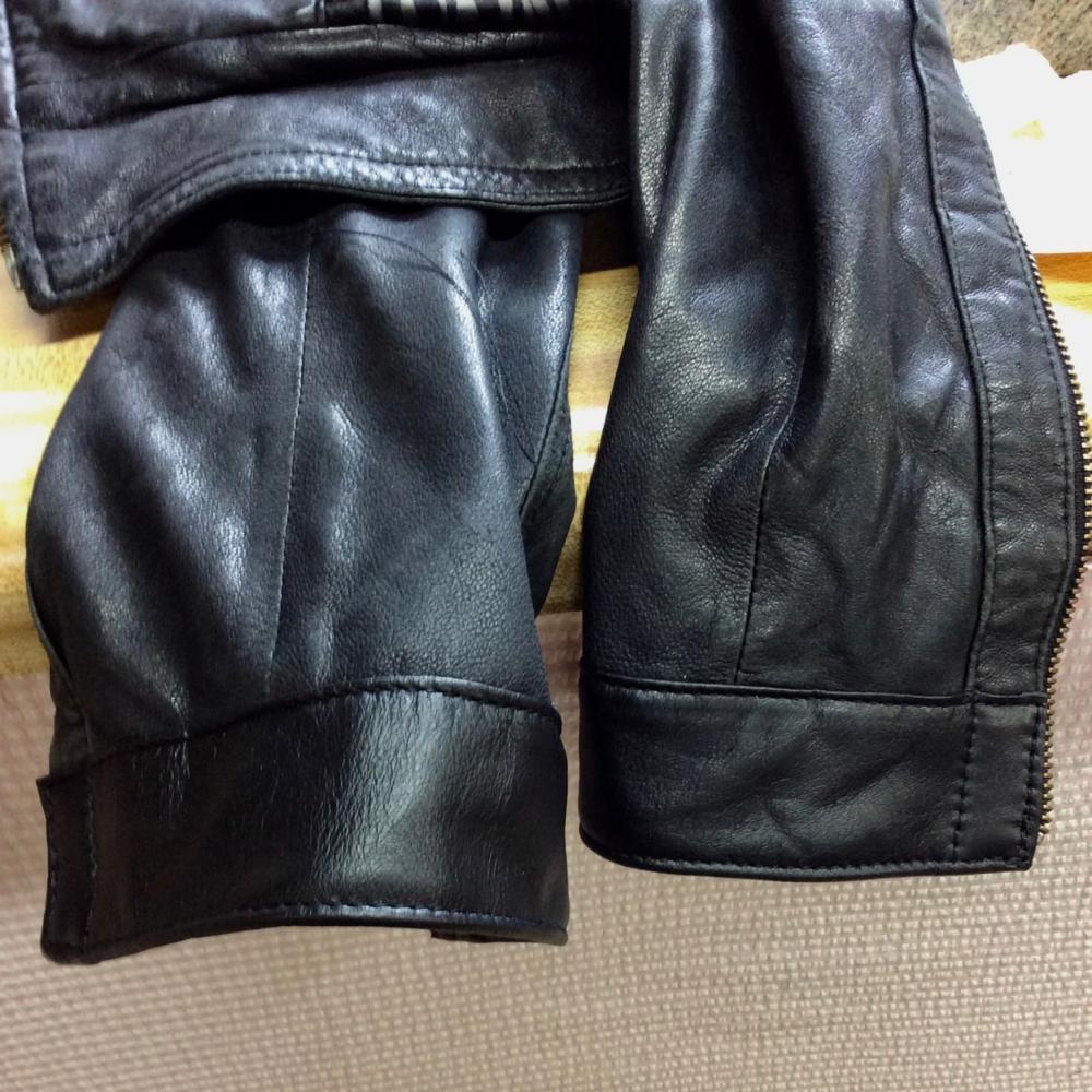 Leather Sleeve A.png