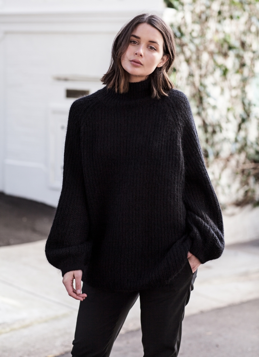 harperandharley_how-to-wear-oversized_black-jumper_outfit_streetstyle_5-mtjocc5oepup7heqqzxftbt7sezzg1884vewppp36k.jpg