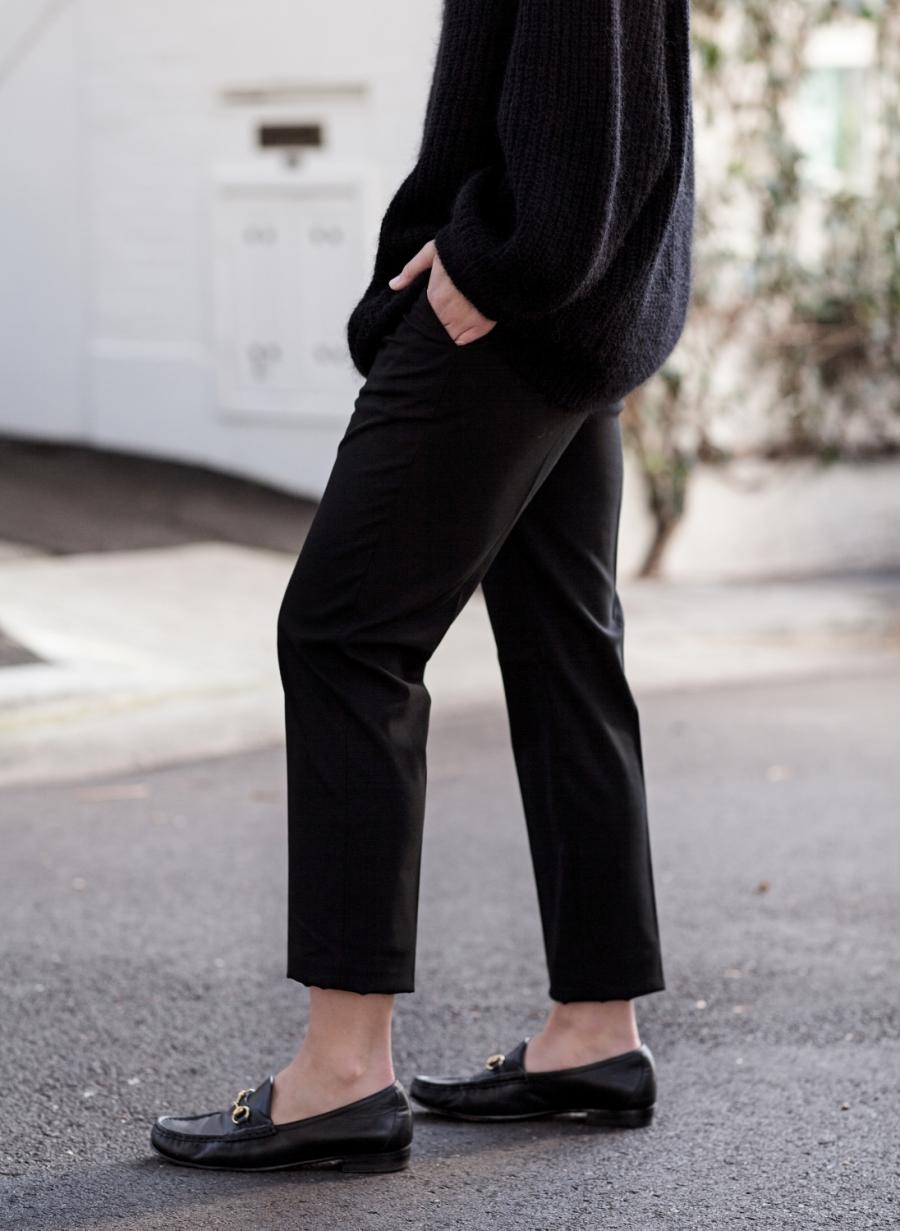 harperandharley_how-to-wear-oversized_black-jumper_outfit_streetstyle_2-mtjo7qq2zvk8g431l0f3mhk38lndtazgu4lg90idjq.jpg