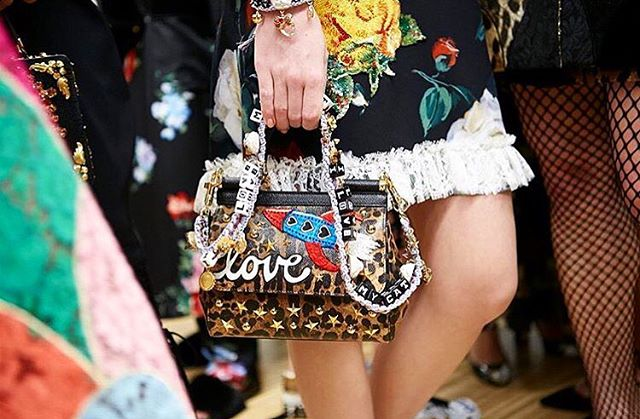 Closer look at Dolce & Gabbana (@dolcegabbana) A/W 17 Women's Fashion Backstage. __ Full review and collection is now up - #linkinbio  __ #MyraFrontRow #MyraBackstage #mfw #milanfashionweek #fashionweek #fashionshow #dolcegabbana #handbag #detailing #fullaccess